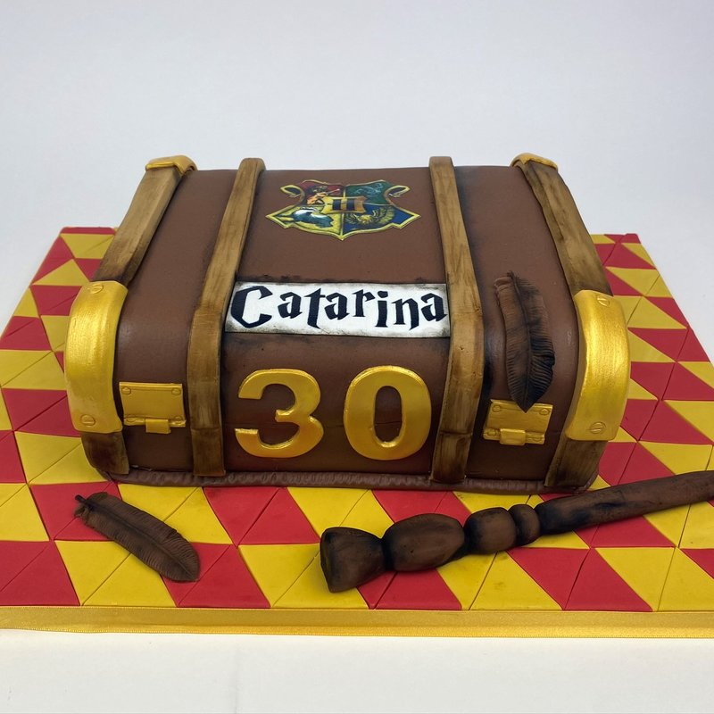 Gâteau sculpté en 3D - Malle Harry Potter